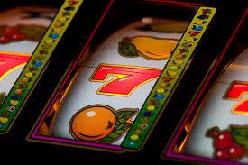 Unde să joci sloturi online?